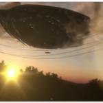 【動画】UFOが目撃される!カリフォルニア州のサンタ・クラリタ上空に出現?